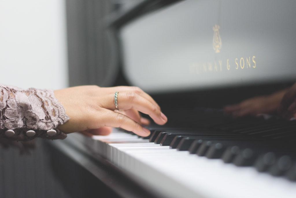 Alexia-Rabe-Aurelien-Levy-comment-apprendre-piano-5