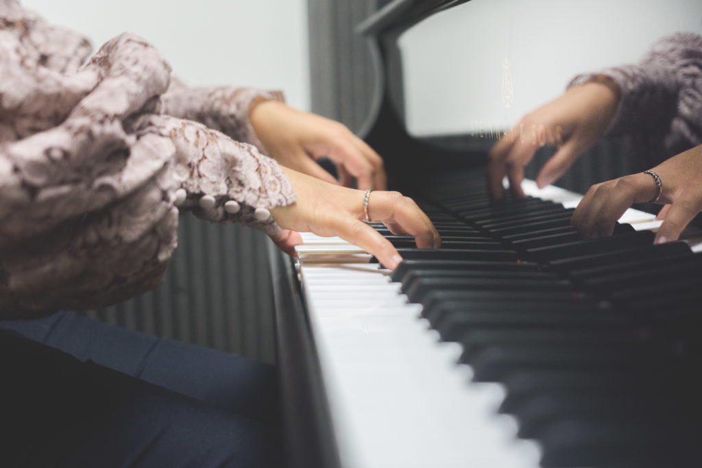 Alexia-Rabe-Aurelien-Levy-comment-apprendre-piano-6
